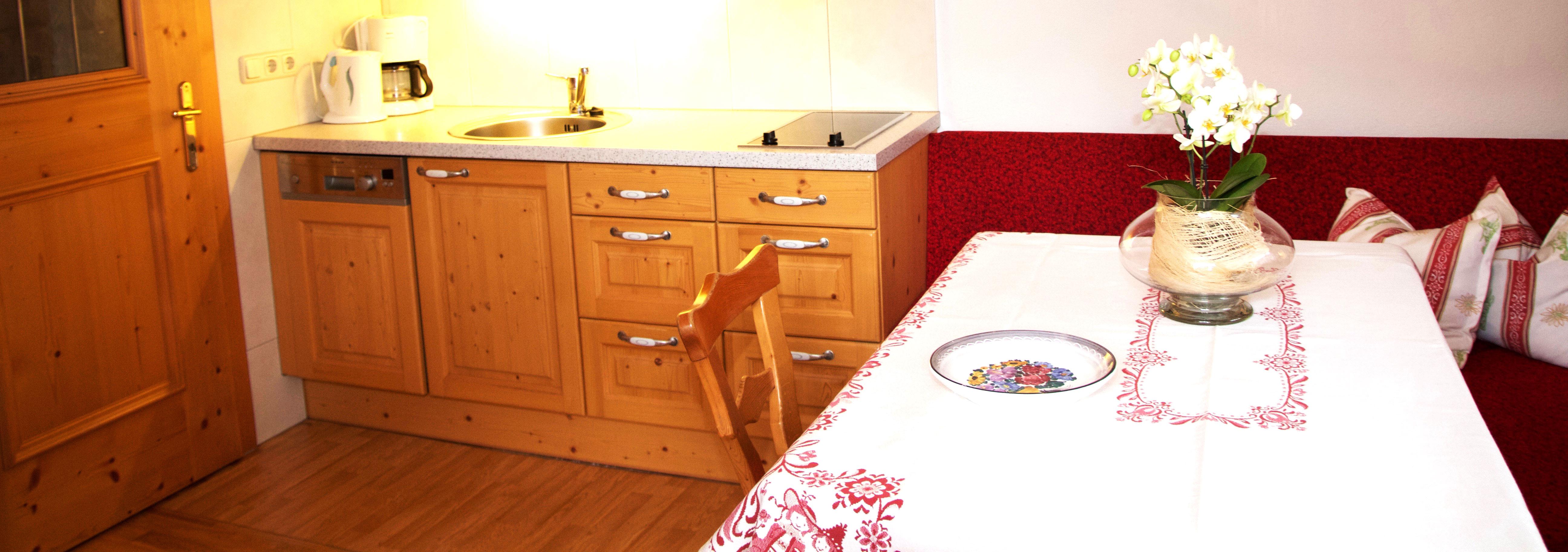 ferienwohnungen alpbach alpbachtal ferienwohnungen haus edelweiss. Black Bedroom Furniture Sets. Home Design Ideas
